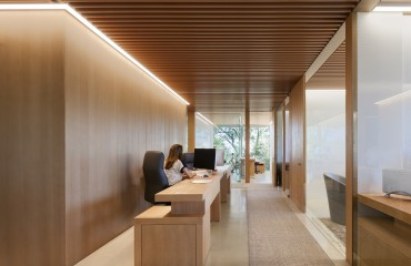 2015-wood-design-award-winners-announced-archdaily-venture-capital-office-paul-murdoch-architects-simpson-gumpertz-heger-c3-a2-c2-a9-eric-staudenmaeir-photography_forest-glass-for-office-desin_office_